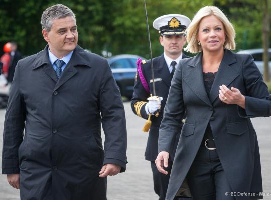 De Nederlandse minister van Defensie bezoekt België