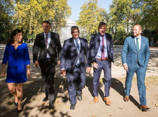 Jan Jambon, Johan Van Overtveldt, Steven Vandeput, Zuhal Demir en Theo Francken